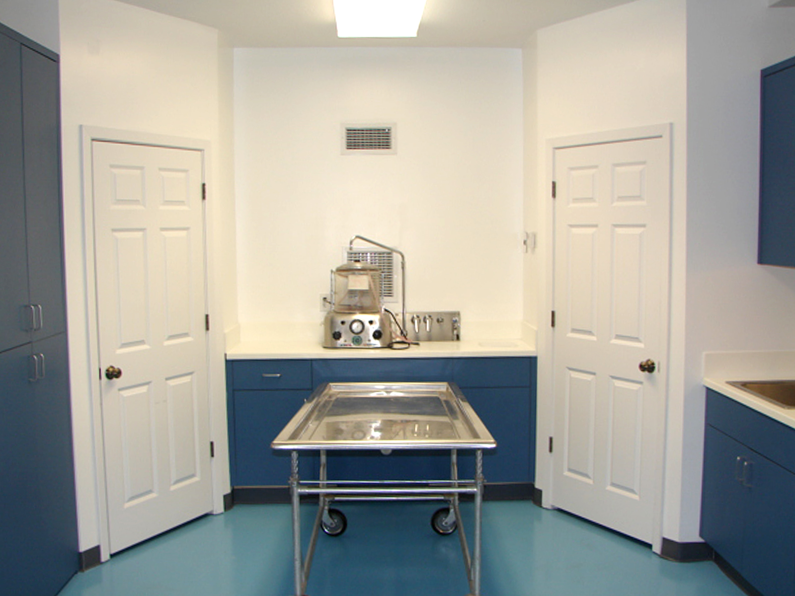 Piper funeral home Embalming room design