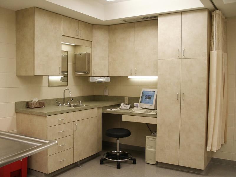 danielson_alt1_cabinets_desk