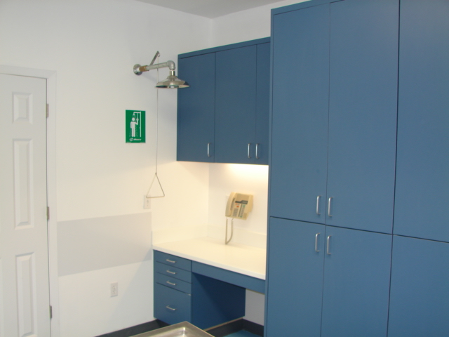 piper_alt3_shower_desk_bio_cabinets